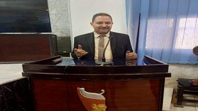 صورة الدكتوراه الفخرية ودرع الوفاء لـ د. عبدالله كمال .. مليون مُبارك