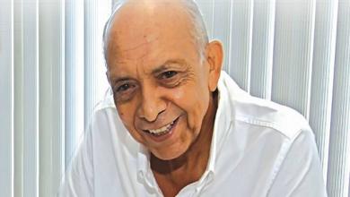 صورة أيقونة الطب ومؤسس مركز الكلى والمسالك البولية بالمنصورة .. 85 عامًا من العطاء للدكتور غنيم