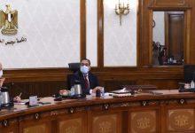 صورة رئيس الوزراء يتابع مخططات تطوير الطرق والمحاور المرورية بمحافظة الجيزة