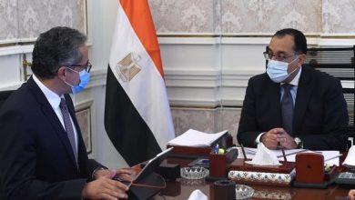 صورة رئيس الوزراء يتابع مع «العناني» موقف حركة السياحة الوافدة إلى مصر