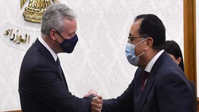 صورة توقيع اتفاقيات مشروعات في مجالات النقل والإسكان والكهرباء وأسواق الجملة بين مصر وفرنسا