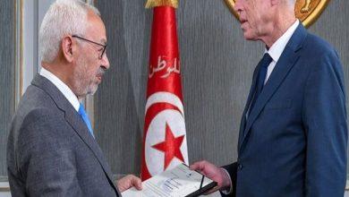 صورة صراع رهيب ومعركة تكسير عظام.. صحف عربية تناقش الموقف المتأزم في تونس
