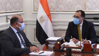 صورة «مدبولي» يبحث مع رئيس البورصة تطورات أداء سوق الأوراق المالية المقيدة