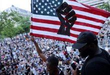 صورة الولايات المتحدة عنوان العنصرية والتمييز داخليًا وخارجيًاولا تحترم حقوق الأقليات