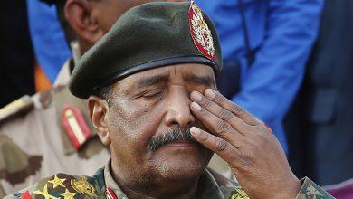 صورة بعد حل المجلس الانتقالي و«الوزراء».. هل يُسلِّم «البرهان» قيادة السودان لحكومة مدنية منتخبة؟