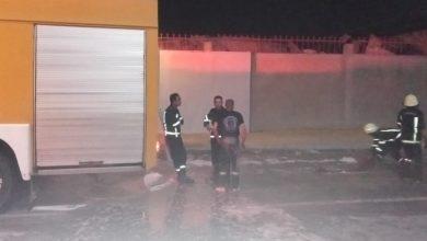 صورة اندلاع حريق هائل في مصنع ملابس بالإسماعيلية و23 سيارة تشارك في إخماده